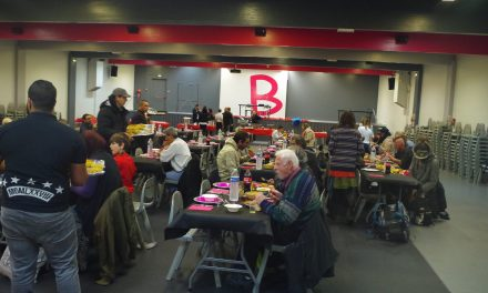 Toulouse : Un repas de Noël après l'heure pour des sans-abris