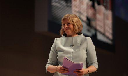 Brexit : Theresa May annonce une rupture «claire et nette»