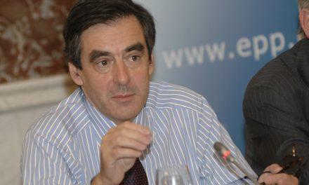 François Fillon empêtré dans les scandales ?