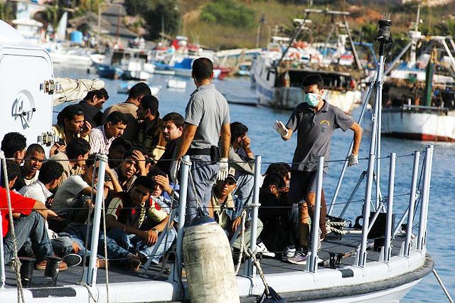 Des migrants arrivant à Lampedusa. / CC