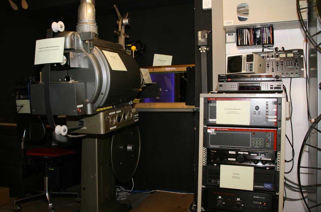 Dispositif de projection de film./CC Eva