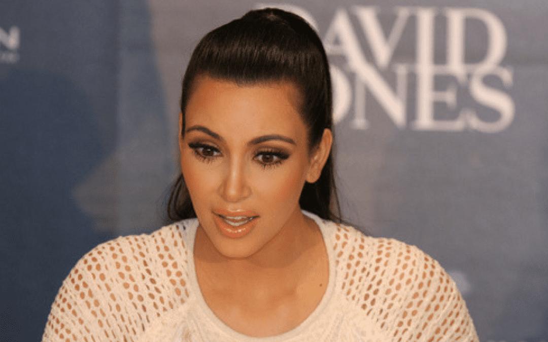 Kim Kardashian s'est fait voler des bijoux d'une valeur de 9 millions d'euros le 3 octobre dernier./ Photo DR Eva Rinaldi