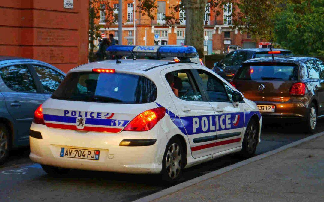 voiture de police en patrouille dans le centre-ville de Toulouse. Photo DR Mic