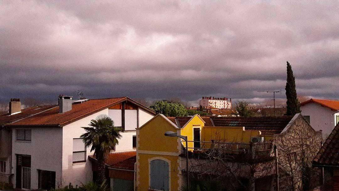 Le ciel de Toulouse se couvre et le vent se lève./photo Alison Perret