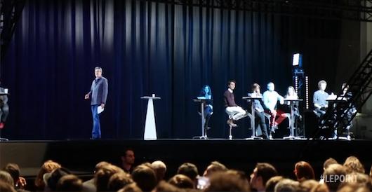 L'hologramme de Jean-Luc Mélenchon fait un carton !