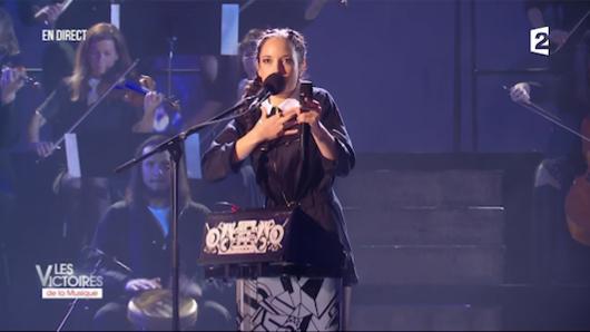 Jain sacrée meilleure artiste féminine de l'année./Capture vidéo France 2