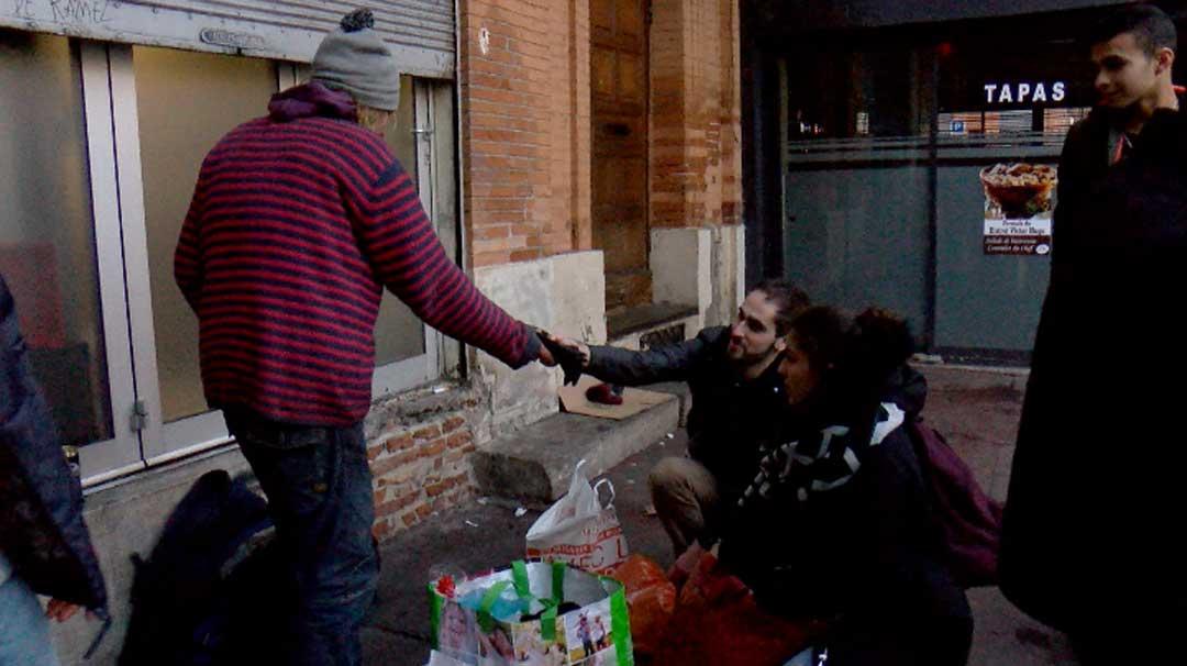 [Vidéo] Toulouse : les particuliers se mobilisent pour les sans-abris