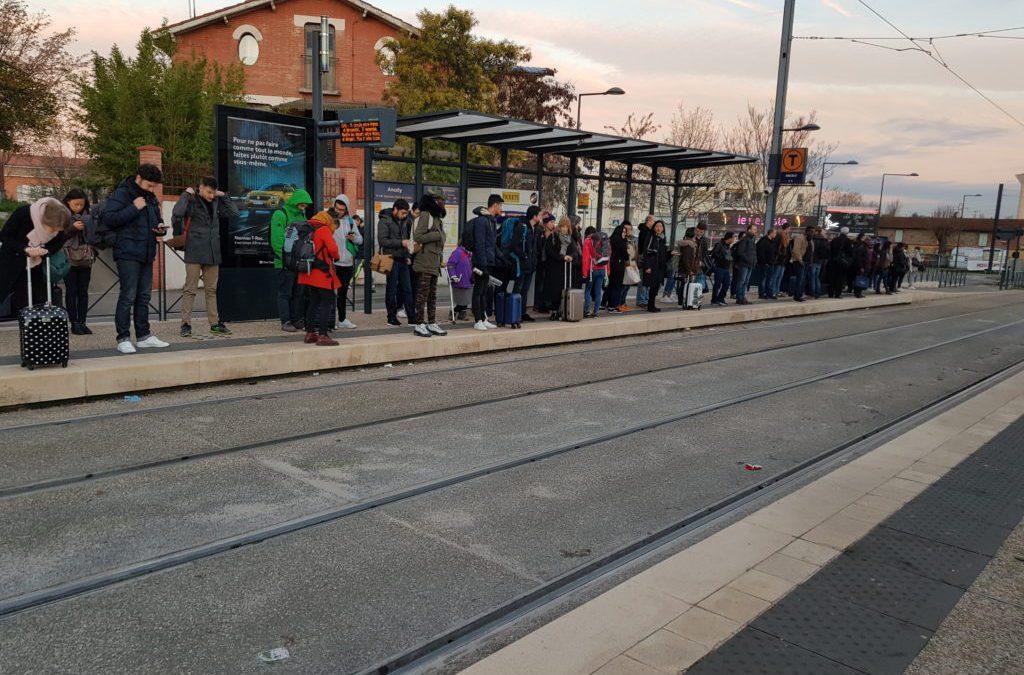 Les perturbations de ce matin, retardent les passagers / Photo : Audrey Genguz