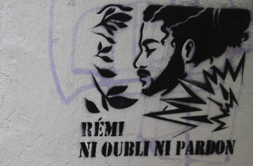 Graffiti en mémoire de Rémi Fraisse / Crédit : FlickR