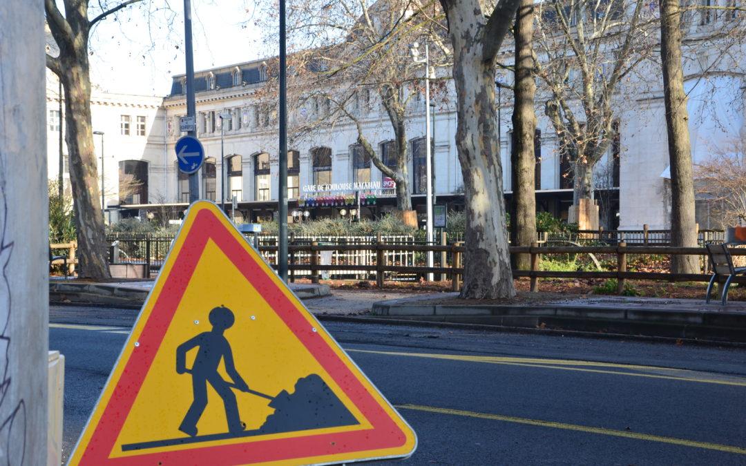 Les travaux de réduction des voies sur le boulevard Monrepos, en face de la gare Matabiau / Crédit : Léia Hoarau