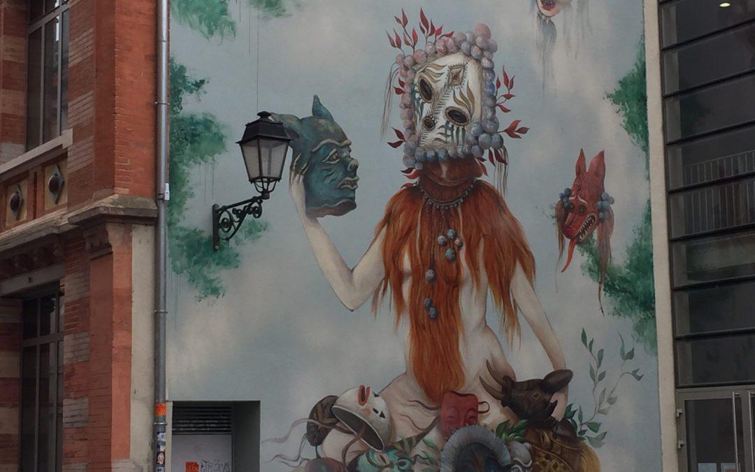 Graffiti de Miss Tic au coeur du quartier des Carmes à Toulouse. CP : Maxime Birken