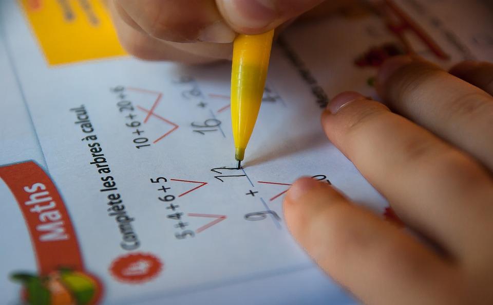 De nouvelles propositions ont été faites ce matin, notamment pour mieux former en mathématiques les professeurs de l'école primaire. Crédit : Pixabay