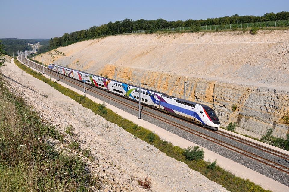 Train à grande vitesse. Crédit : CC
