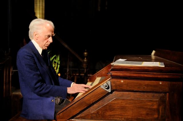 L'organiste Jean Guillou / Crédits : Flickr