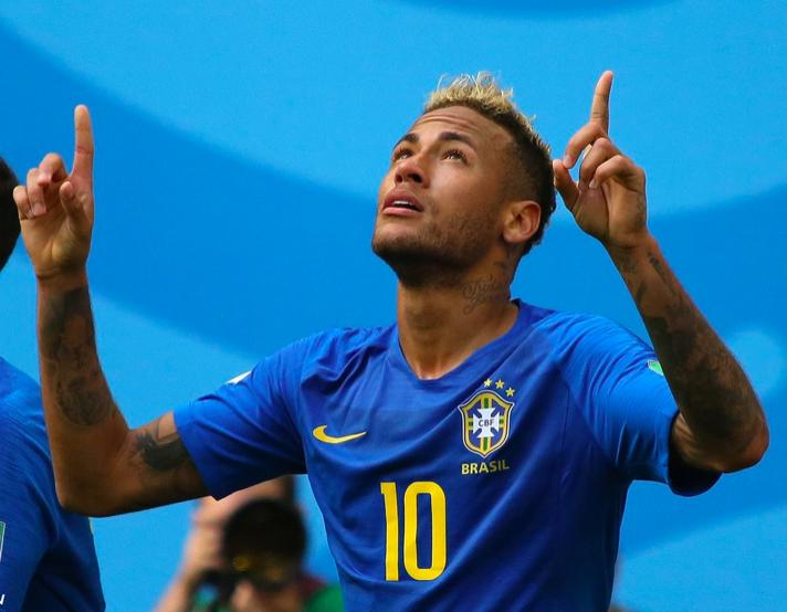 Neymar Jr suivra un traitement conservatif de sa lésion du cinquième métatarsien droit. (Cdt/Wikipedia Commons)