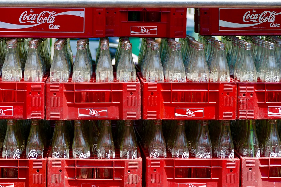 Les bouteilles en verre de Coca-Cola./ Crédits : Pixabay