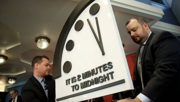 «2 Minutes to Midnight» / Credits photo : AFP