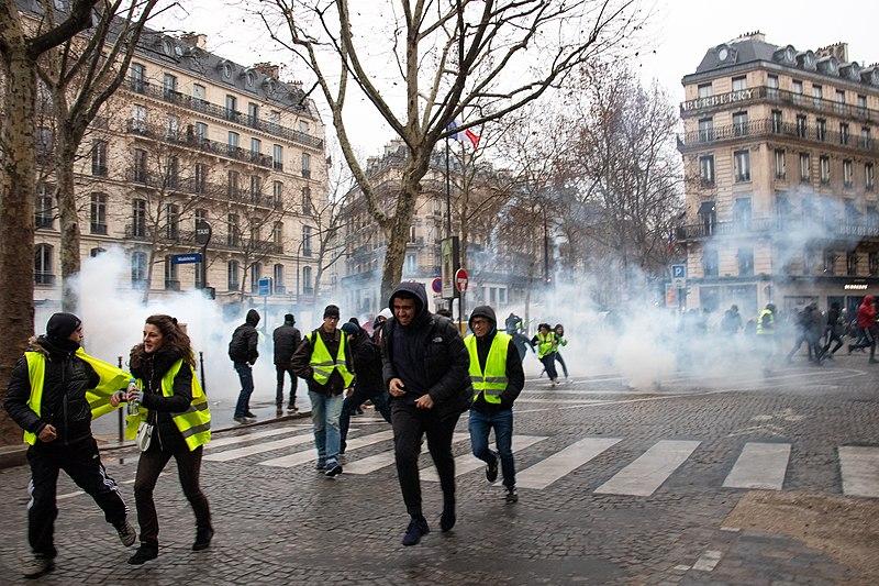 Tensions lors de l'acte XIII des Gilets jaunes à Paris. Crédits : Wikipédia Commons