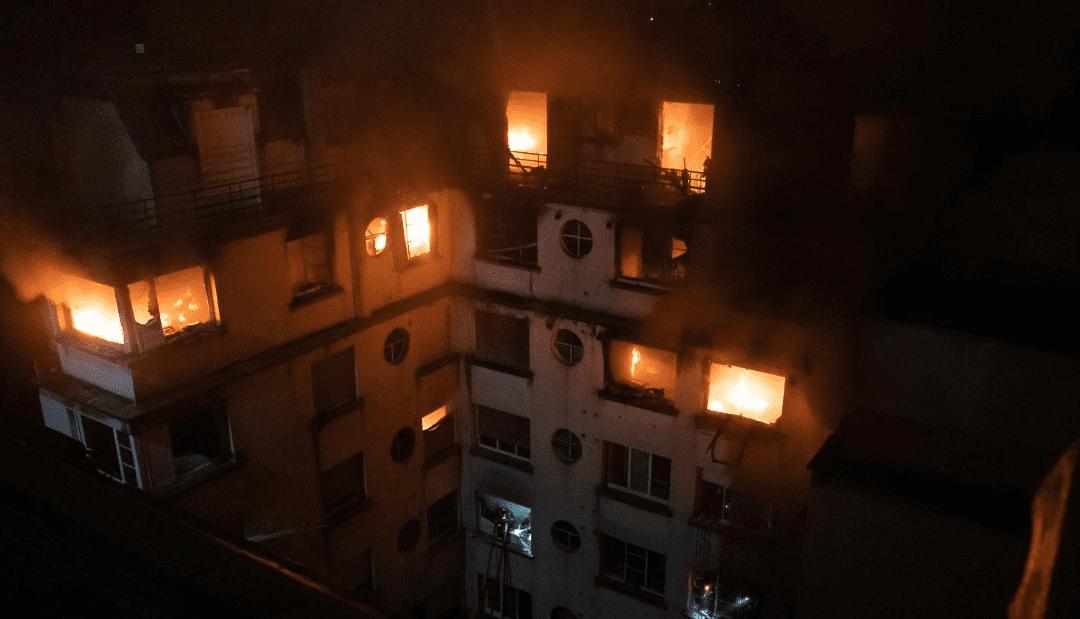 Incendie de l'immeuble de la rue Erlanger, le 5 février 2019 à Paris./ Crédits : capture d'écran twitter