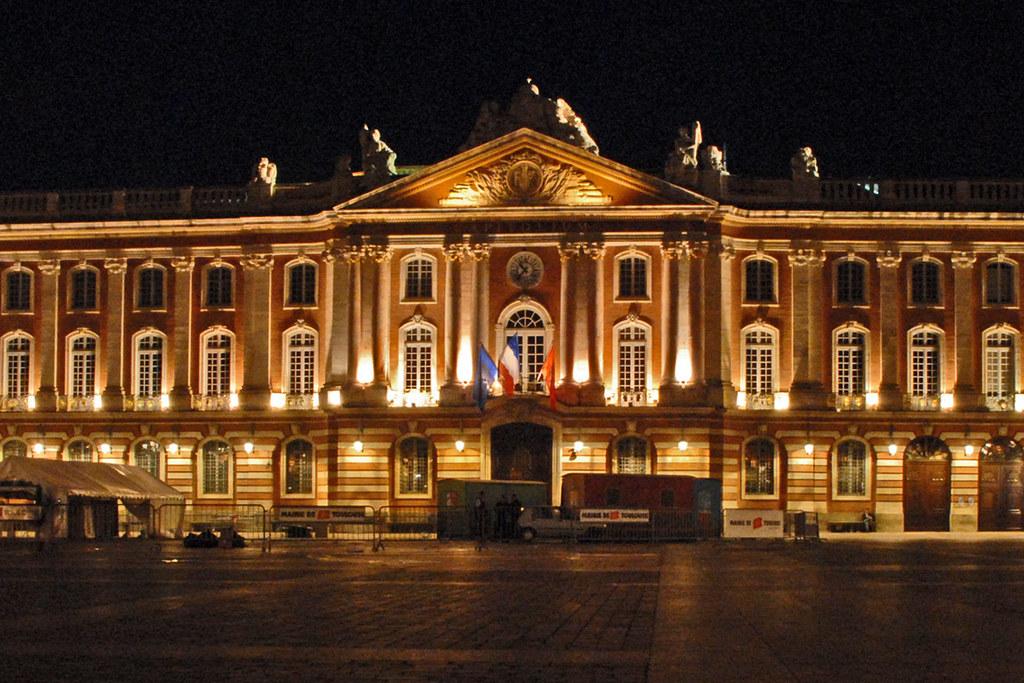 Cnews a publié une photo du Capitole toulousain pour illustrer le Capitole américain. Crédit : CC BY 2.0, Jean-Pierre Dalbéra