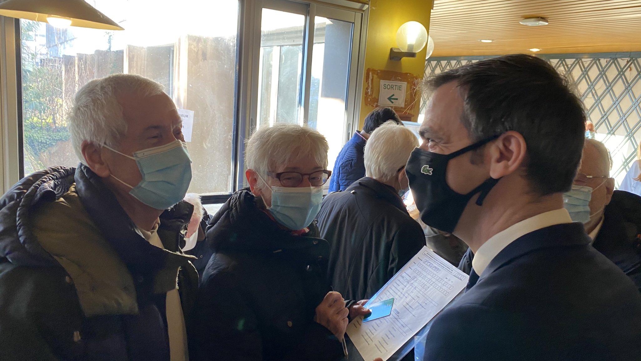 Olivier Véran en visite ce matin. Crédit : Service communication du ministère des solidarités et de la santé.
