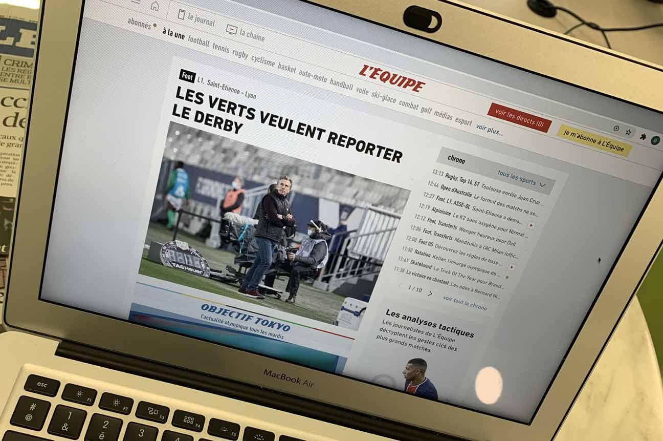 Seule la version web du journal sportif est maintenu, l'édition papier reste en pause. Crédit : Benoit Leroy