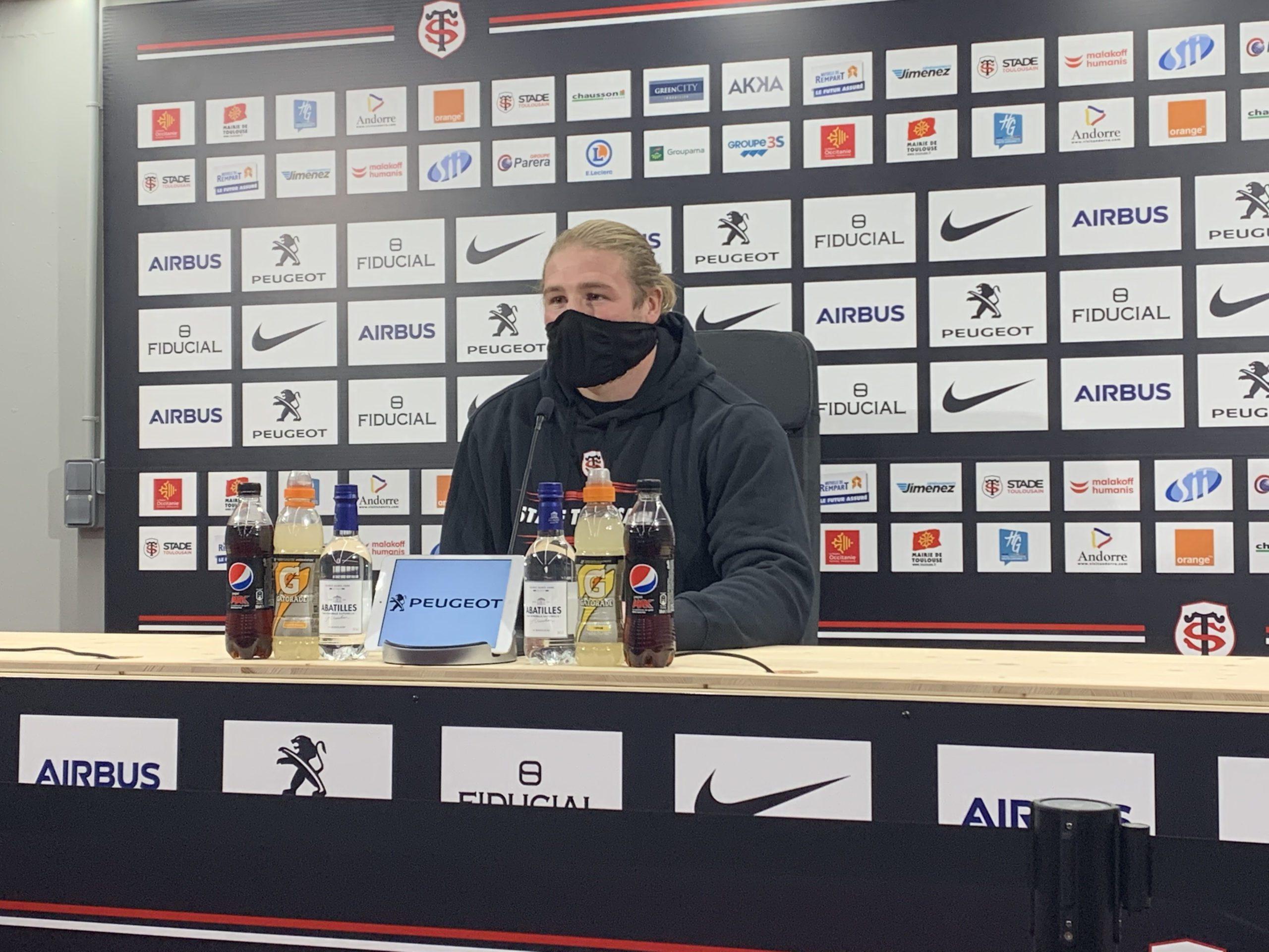 Alban Placines lors de la conférence de presse du Stade Toulousain avant le match contre Pau. Crédit: Manon Moreau.