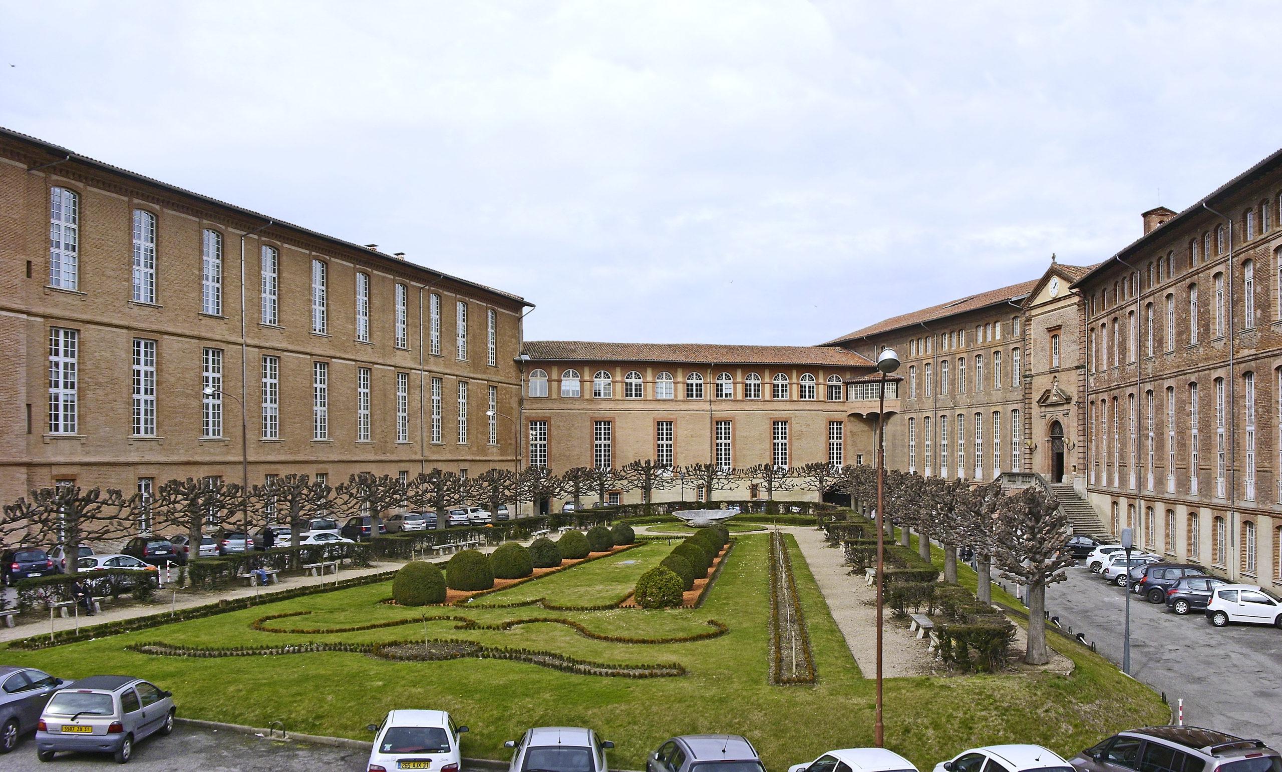 Hôtel Dieu de Toulouse - La cour intérieure